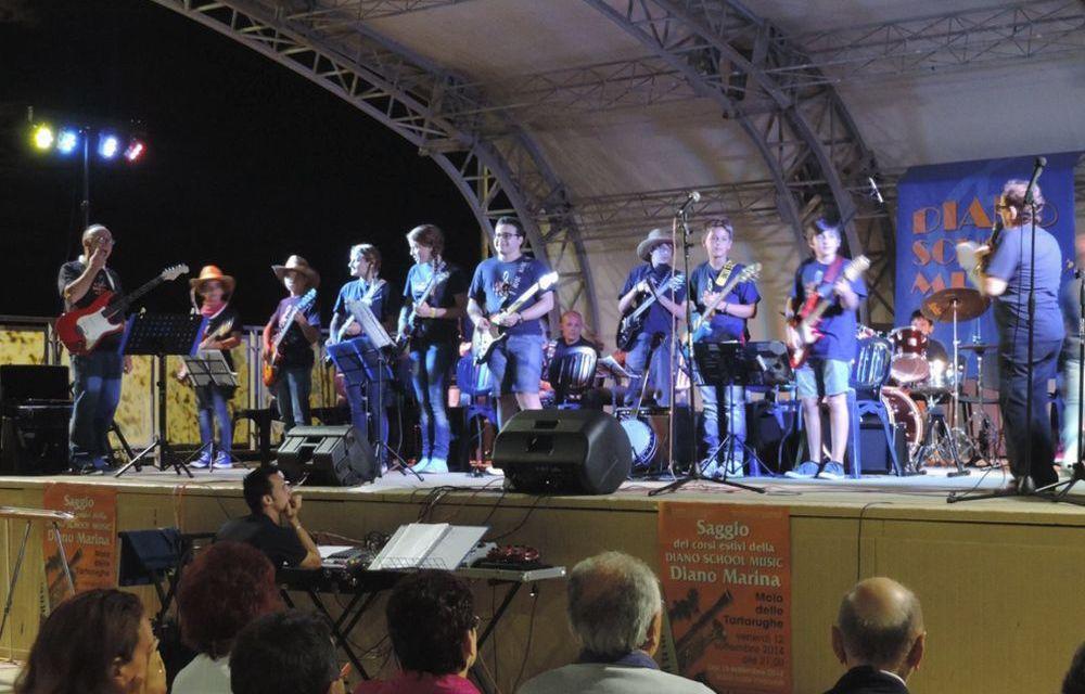 Venerdì c'è il Saggio di fine anno degli allievi della Diano School Music al molo delle tartarughe
