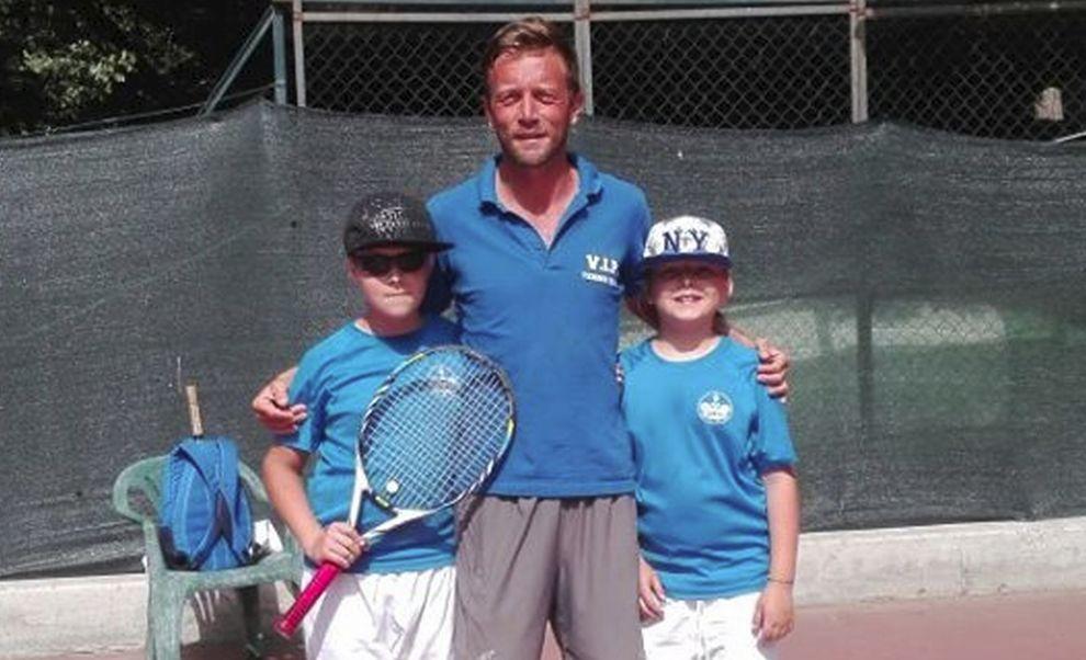I ragazzini della squadra Vip tennis di Diano marina conquistano la finale nella serie promo e domenica si giocano il titolo