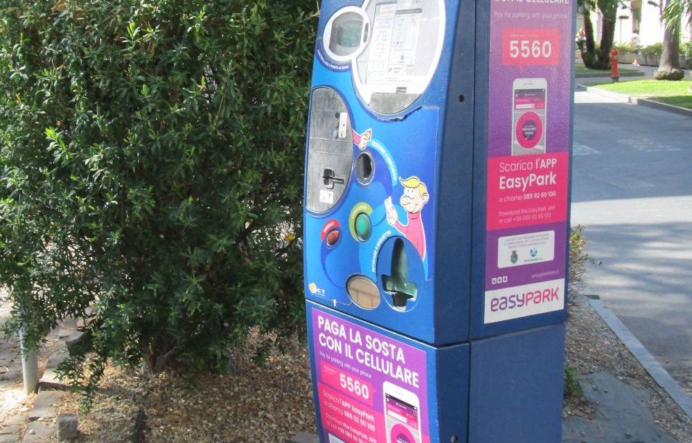 A Diano Marina adesso la sosta si paga col telefonino grazie ad Easy Park e si può allungare o accorciare a piacimento