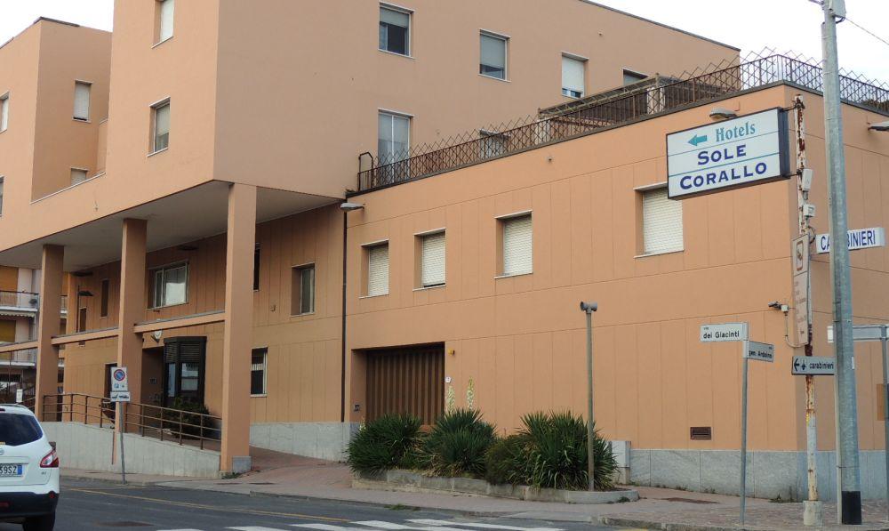 Trovati due sacchi di posta abbandonata a San Bartolomeo, denunciato l'autore dai carabinieri di Diano