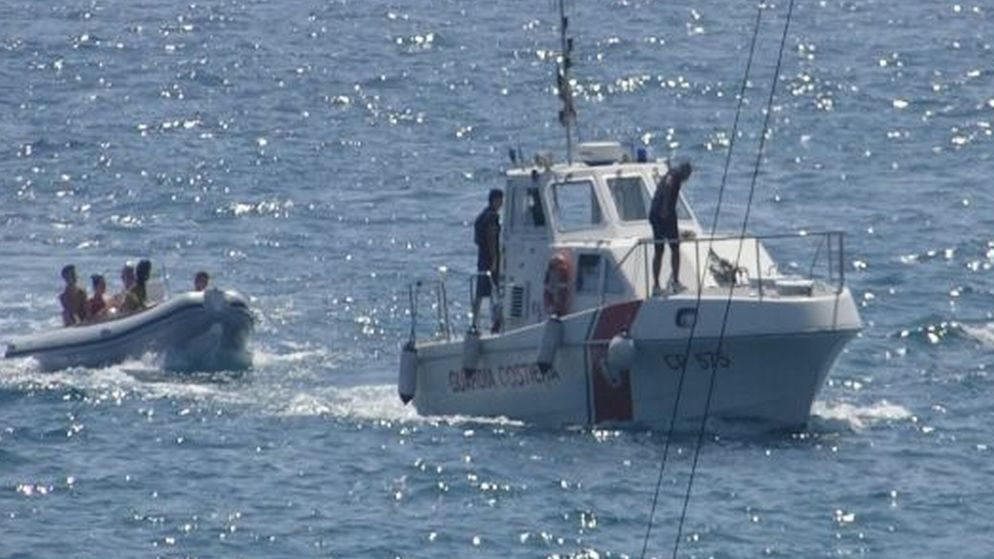 Intensa giornata di lavoro per la  Guardia Costiera di Imperia: surfista e canoista in difficoltà e tanto altro