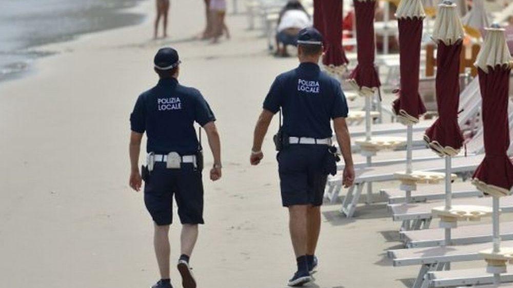 La Guardia Costiera e la Polizia Municipale intervengono per la pubblica fruizione delle spiagge presso il Comune di San Bartolomeo al Mare
