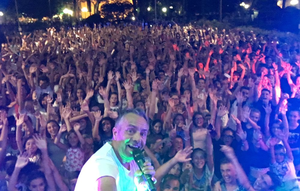 """Il dianese Gianni Rossi esporta """"Balliamoci l'estate"""" a Santo Stefano al Mare. E' per stasera, giovedì 3 agosto"""