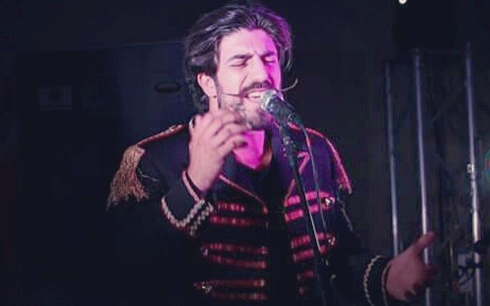 E' arrivato il grande momento per il cantautore dianese Simone Alessio da domani in lizza per entrare al Festival di Sanremo