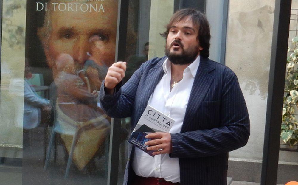 """Inaugurati gli """"Incontri al D-Café"""" della Fondazione di Tortona con Alessandro Torlasco, l'editore dalle grandi idee"""