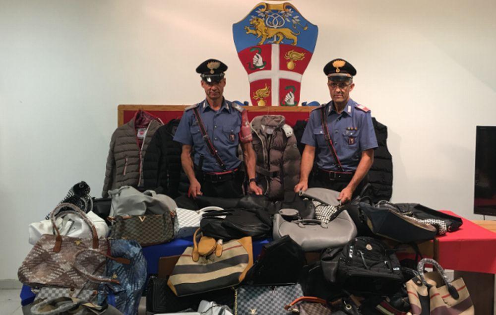 Controlli serrati dei Carabinieri al mercato di Sanremo, sequestrata merce illegale e scattano due denunce