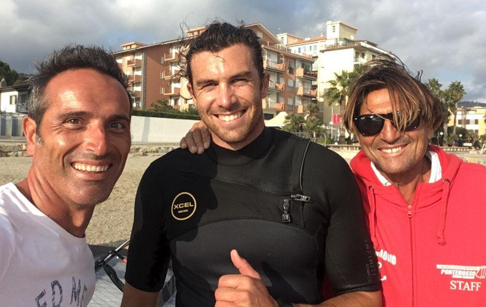 A Diano Marina Guerrino De Marco ha ospitato il Campione del mondo di windsurf Matteo Iachino che si è allenato per difendere il titolo iridato