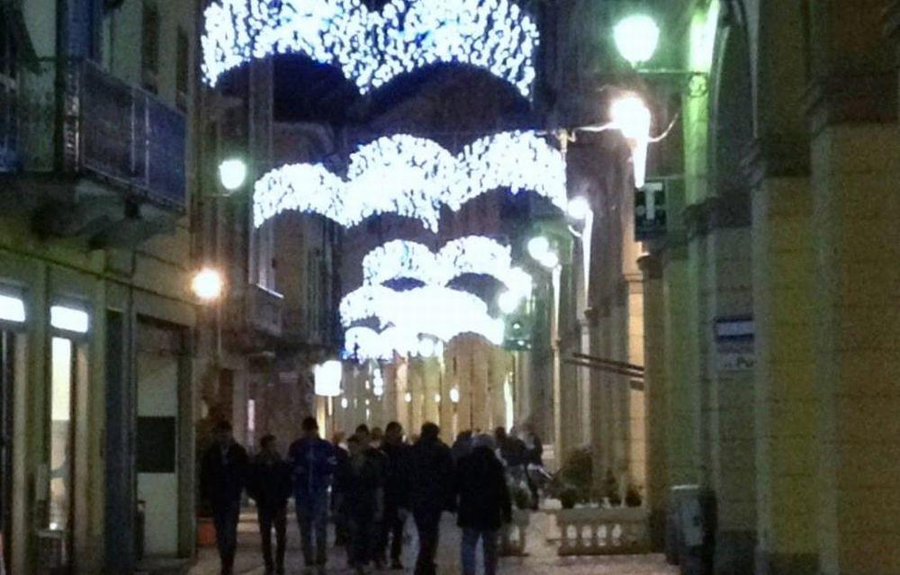 Tortona avrà le luminarie natalizie grazie a Simecom ma il Presidente dei Commercianti chiede ul ulteriore contributo