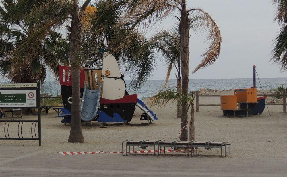 Una ditta di Ragusa si occupa di tenere pulite le spiagge libere a San Bartolomeo al mare per 34 mila euro