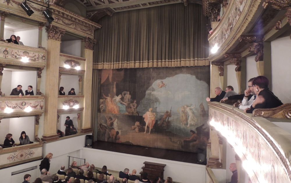 Lunedì al teatro civico di Tortona uno spettacolo musicale con strumenti fatti col riciclo