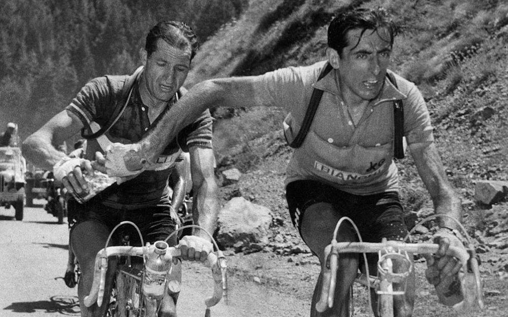 Perche la figura di Fausto Coppi solo a Novi? Tortona associata al Campionissimo solo perché è morto qui…