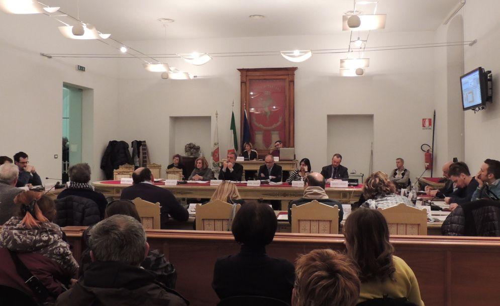 Giovedì torna a riunirsi il Consiglio comunale di Tortona