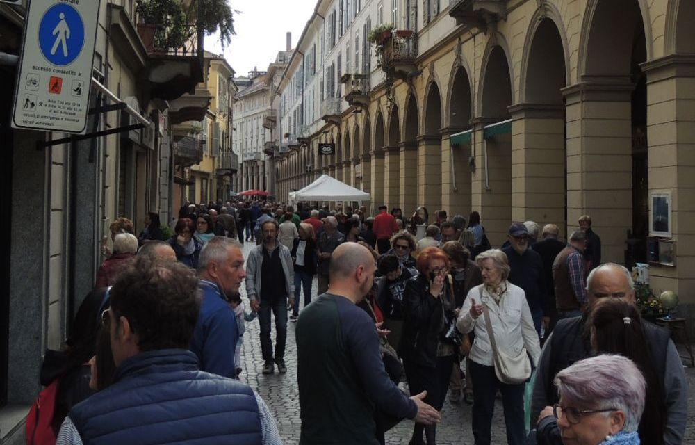 Riapertura isola pedonale a Tortona: perché i commercianti che la vogliono stanno zitti?