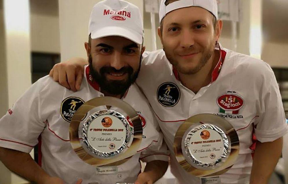 """Il team della Pizzeria """"Fra Diavolo"""" di Diano Marina ha vinto due premi importanti a Napoli e Granada"""