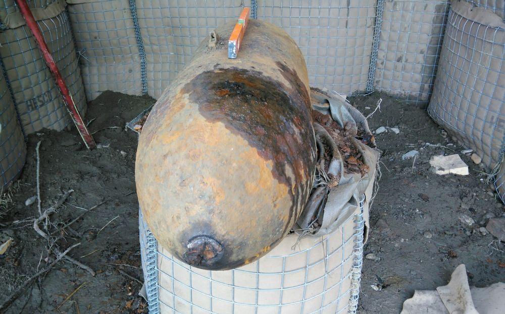 Le immagini della bomba disinnescata a Valenza dagli artificieri e dai Vigili del Fuoco