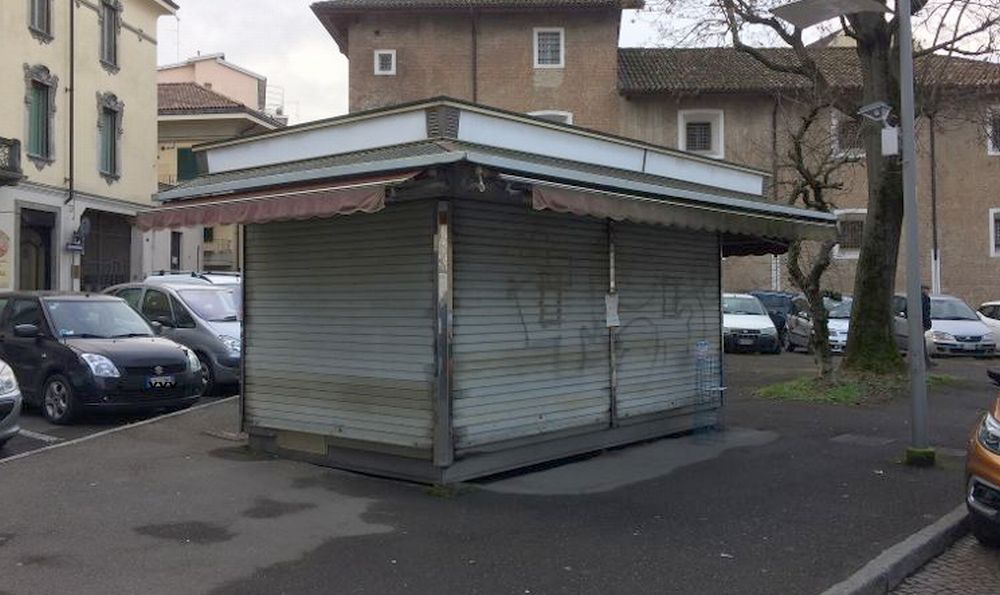 A Tortona ha chiuso l'ennesima edicola, i giornali cartacei e i fumetti destinati a scomparire?