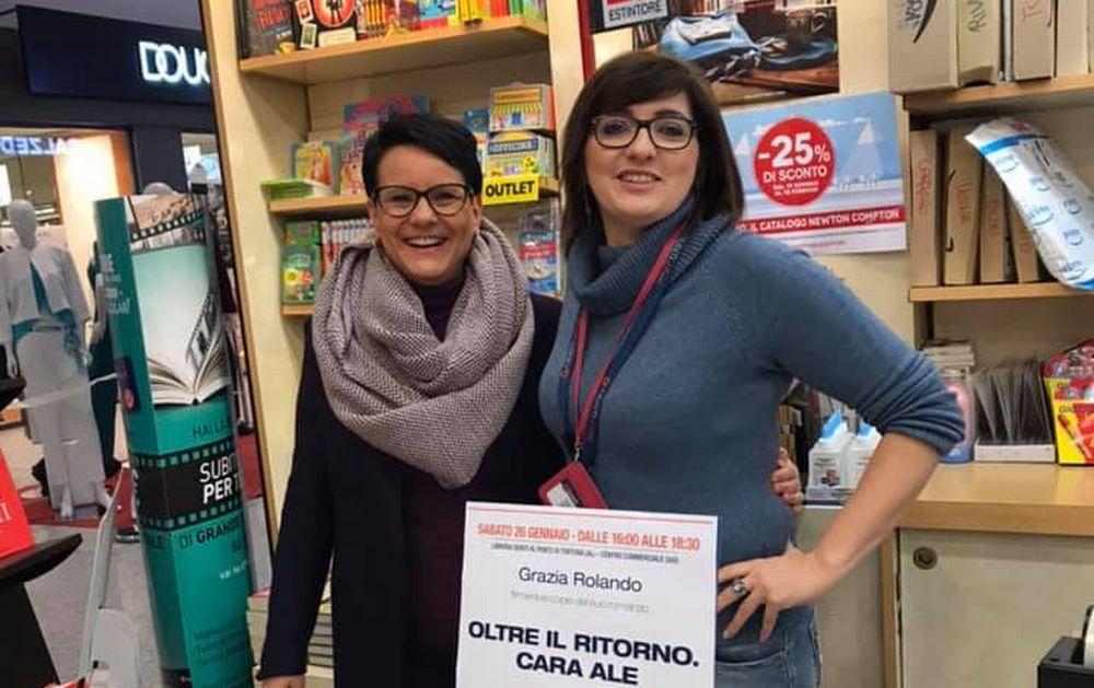La scrittrice tortonese Grazia Rolando ha presentato il suo libro al Centro Commerciale Oasi