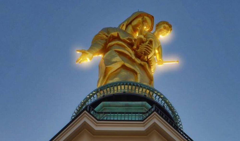 C'é Oggi Tortona: La Madonna splende nell'immagine di Dino Giacomo Zanardi