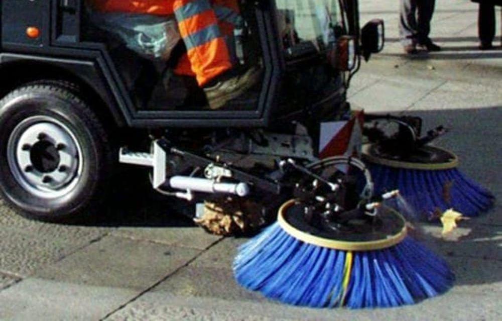 A Novi Ligure torna lo spazzamento delle  strade e il lavaggio dei cassonetti