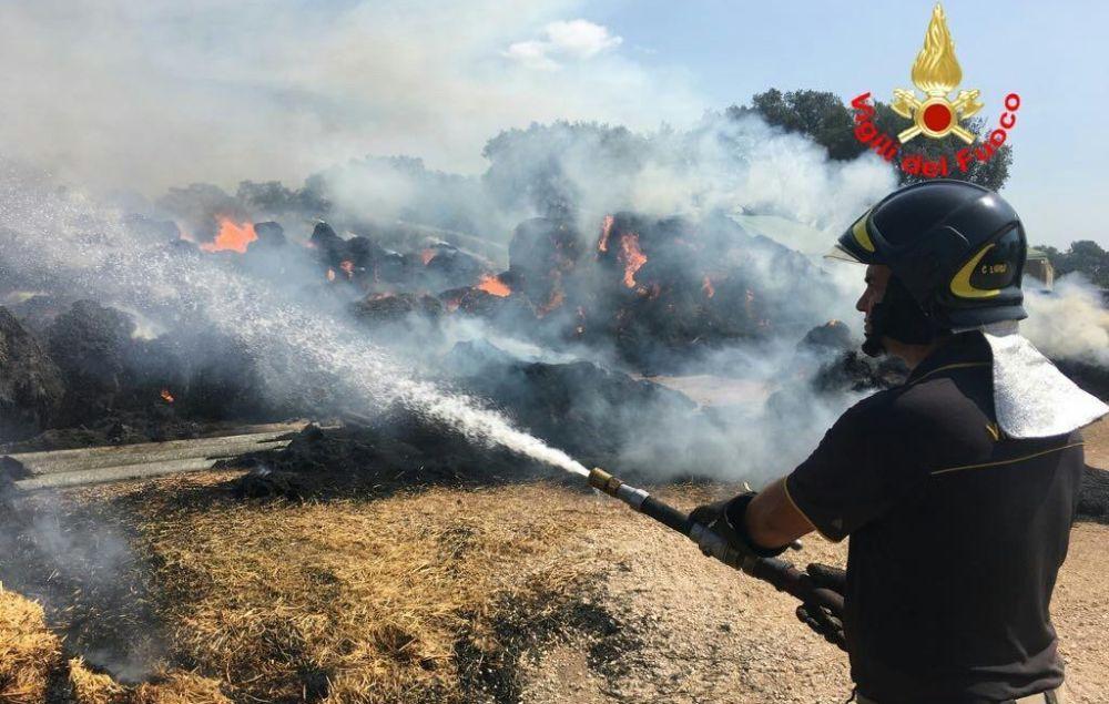 Incendio di sterpaglie fra Tortona e Arquata, treni in ritardo di un'ora
