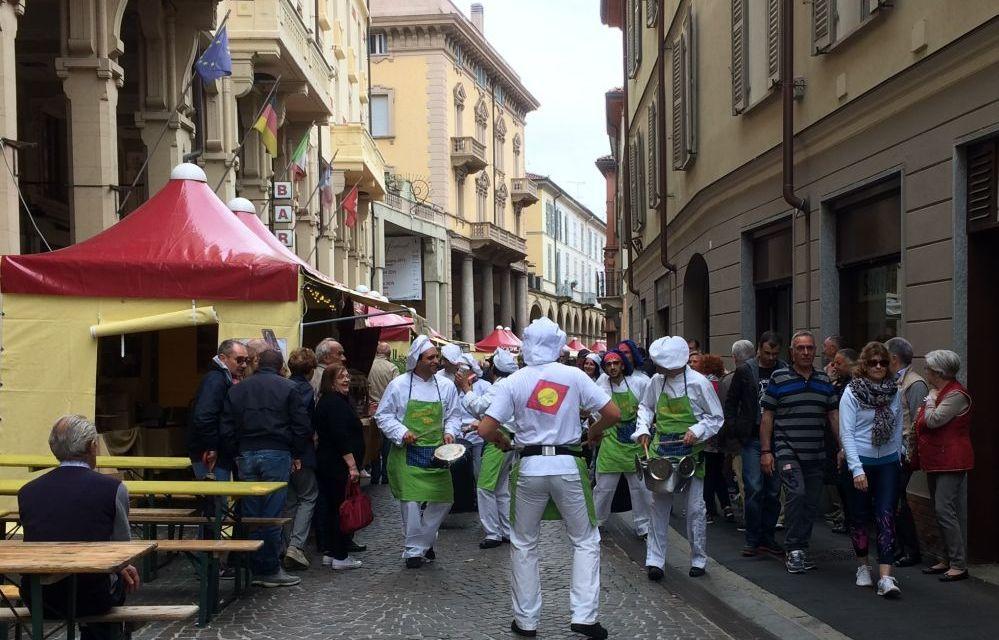 """Chiusa con successo  """"Assaggia Tortona"""" rassegna molto apprezzata che valorizza il centro storico"""