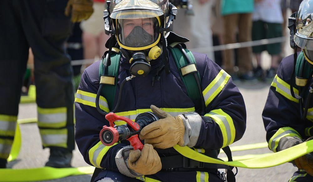 Pensionata Tortonese lascia il pentolino sul gas acceso e la casa va a fuoco, salvata dai vicini