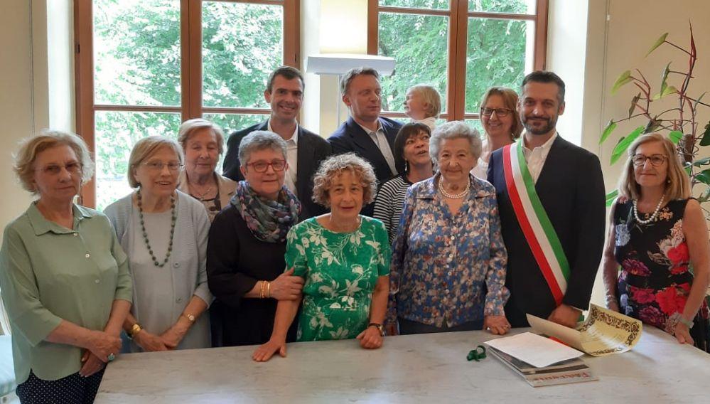 A Tortona Maria Tizzani, mamma di Pia Camagna, compie 100 anni: Sindaco e parenti la festeggiano