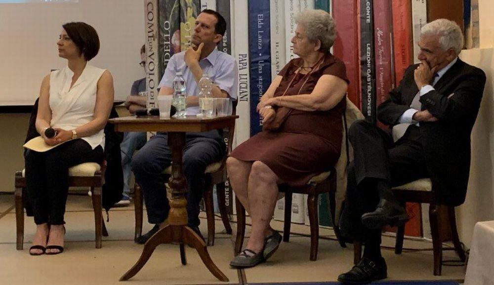 """A Castelnuovo Scrivia Delconte ha presentato il libro """"L'asterisco giuridico"""" con musica e interventi di rilievo"""