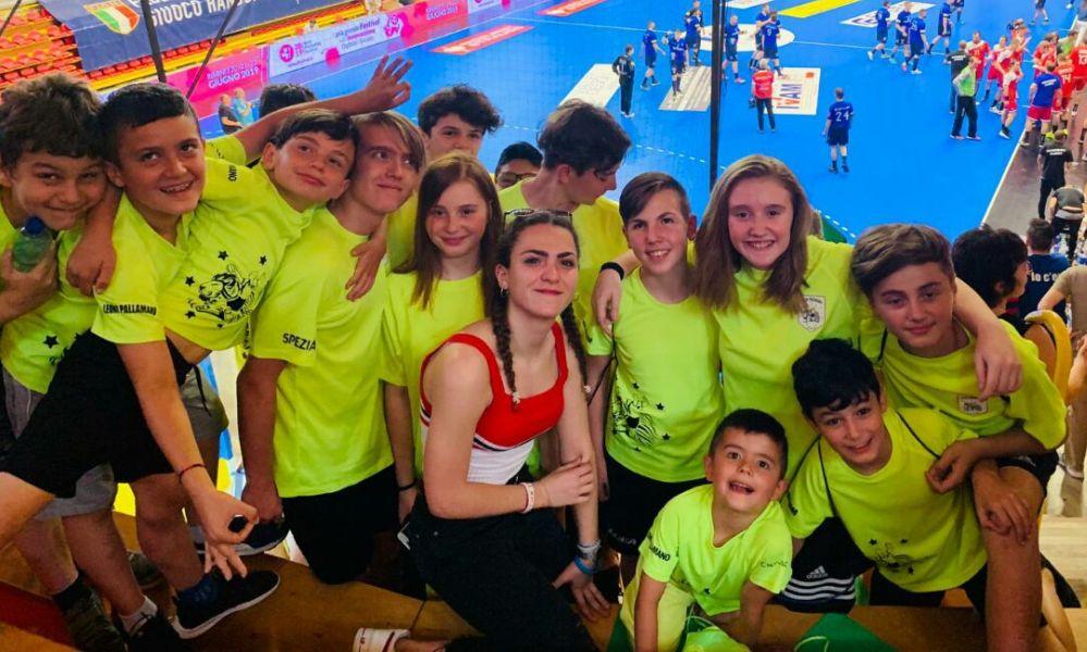 Bella esperienza dei giovani della Leoni Pallamano Tortona in Lombardia