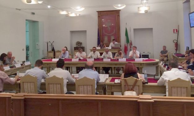 A Tortona la minoranza cerca la polemica in Consiglio ma la Giunta non abbocca