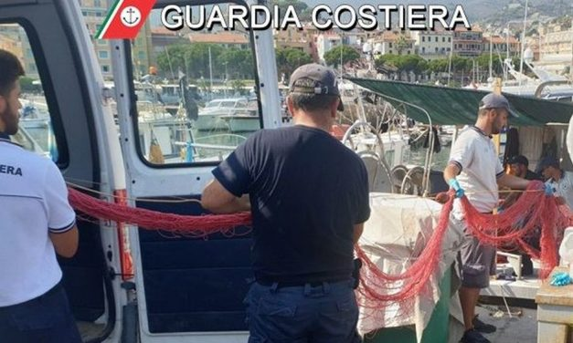 Sanremo, rete illegale sequestrata dalla Guardia Costiera