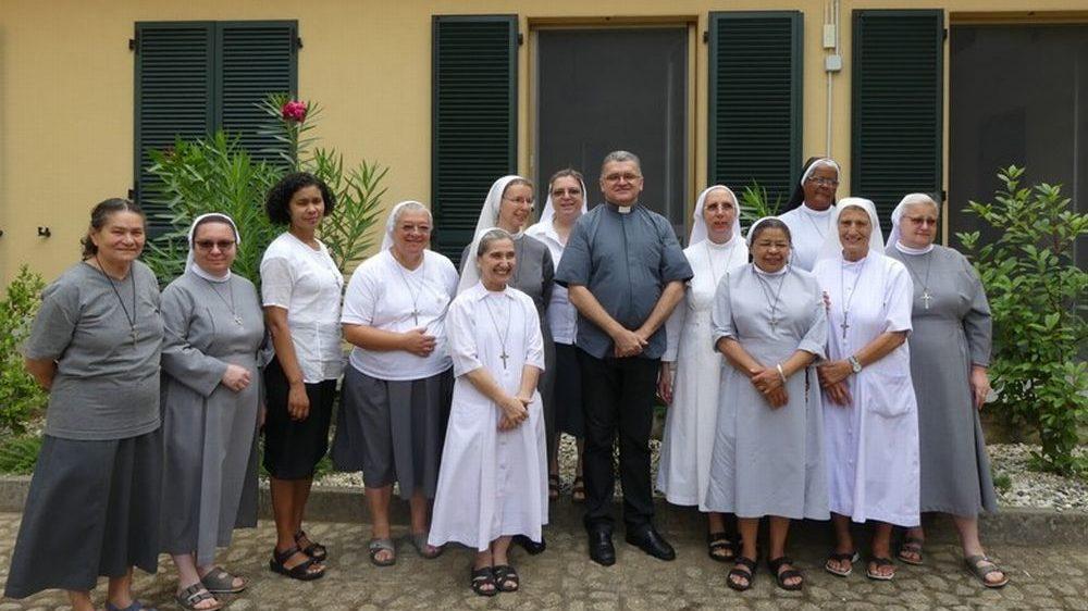 A Tortona le religiose da mezzo mondo per l'itinerario carismatico delle Piccole Suore Missionarie della Carità