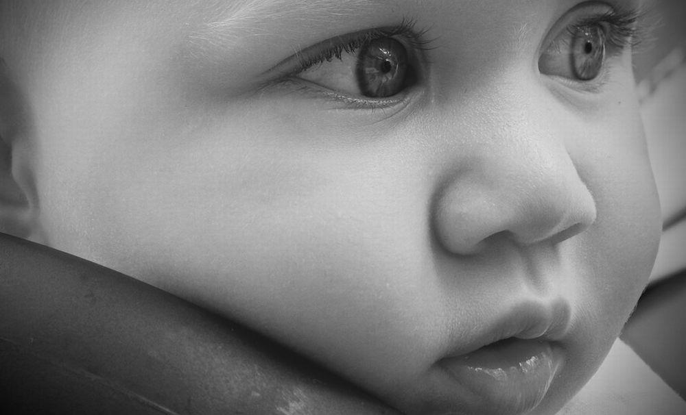 I medici di Alessandria salvano un bimbo che aveva ingoiato una nocciolina