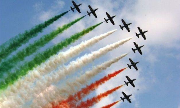 Sono passate su Tortona, ieri, le Frecce Tricolori per raggiungere Genova