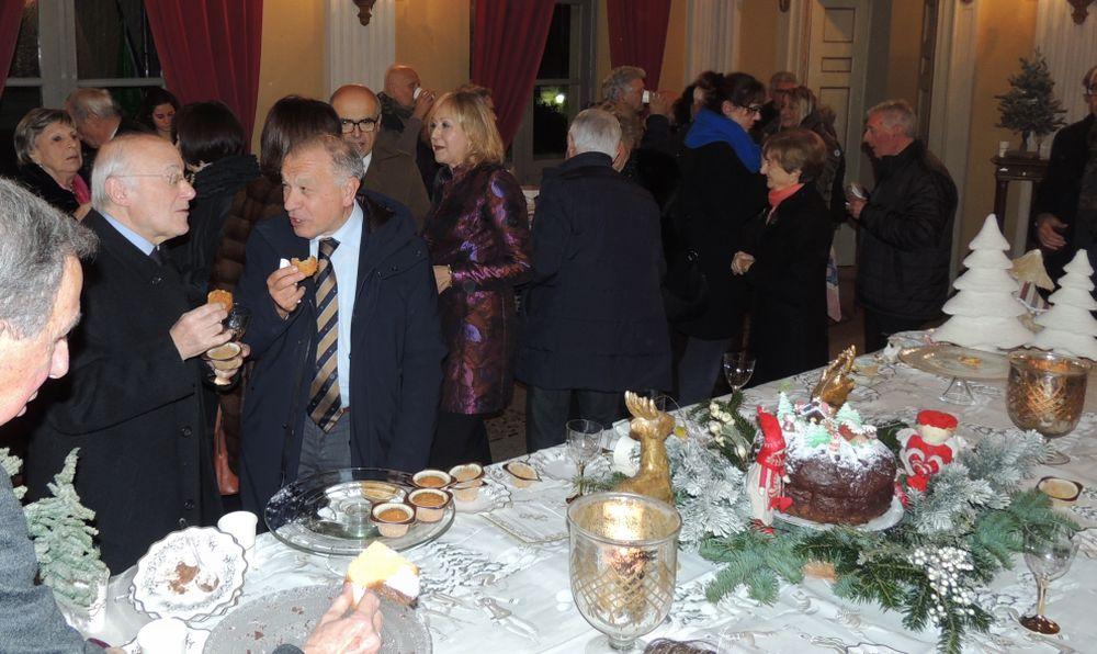 """Un concerto gratis e un sontuoso buffet per festeggiare i 40 anni degli """"Amici della Musica"""" di Tortona. Le immagini"""