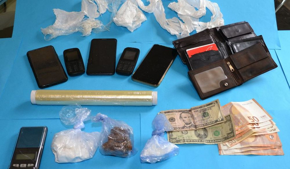 Arrestati dalla Polizia dopo un inseguimento tre nordafricani a Casale, avevano questa roba