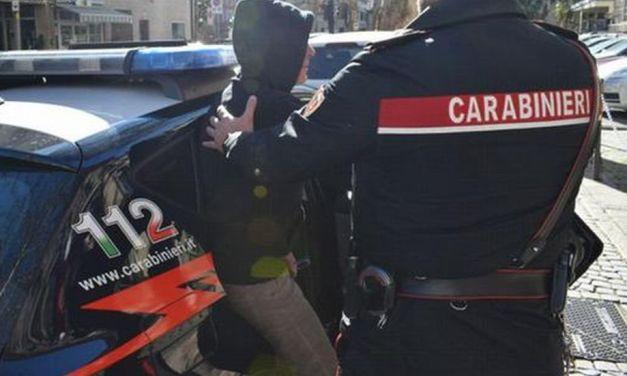 Blitz antidroga dei Carabinieri di Sanremo, famiglia in manette