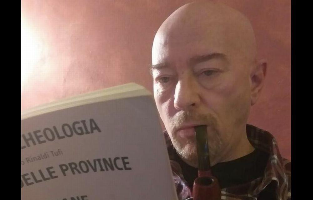 L'alessandrino Cesare Rusalen regala 360 libri di archeologia al museo di Tortona