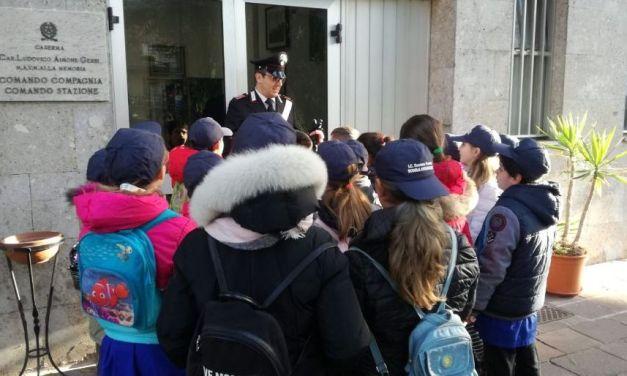Una mattina insieme ai Carabinieri: Conferenza nelle Scuole e visita presso la caserma di Sanremo