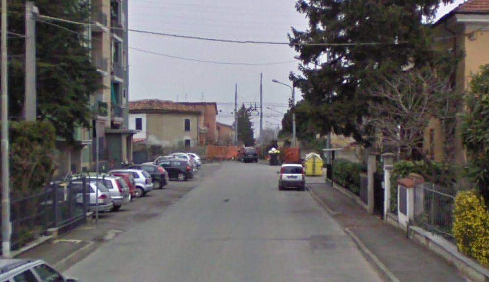 Tortona, aggredisce una pensionata sotto casa in via Cuniolo e le ruba 150 euro
