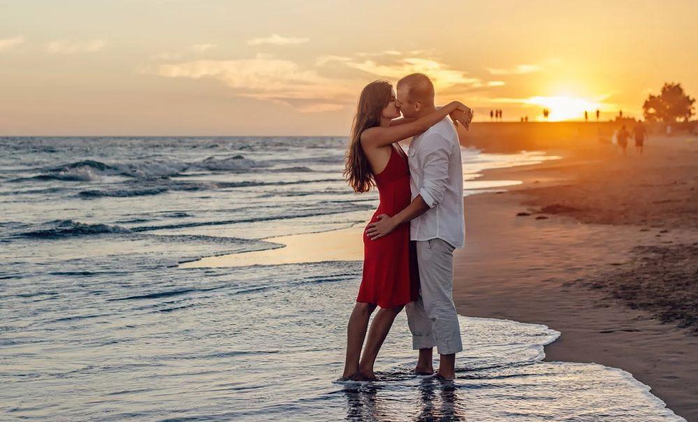 Per San Valentino la Biblioteca di Tortona propone un incontro molto particolare con Storie d'amore