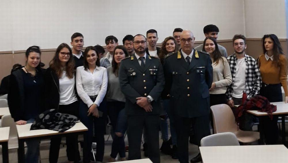 """Per gli studenti del """"Marconi"""" di Tortona un'interessante ed ambita opportunità al servizio della legalità"""