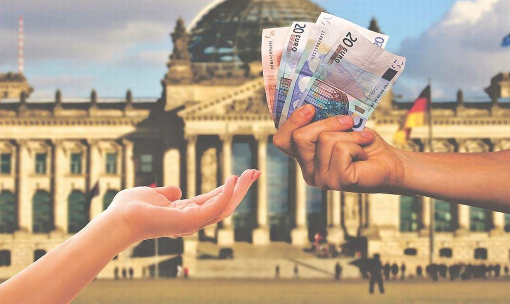 Inps: pubblicate on line le circolari operative per l'attuazione di alcune misure governative a sostegno dei lavoratori, delle famiglie e delle imprese previste dal Decreto Cura Italia.