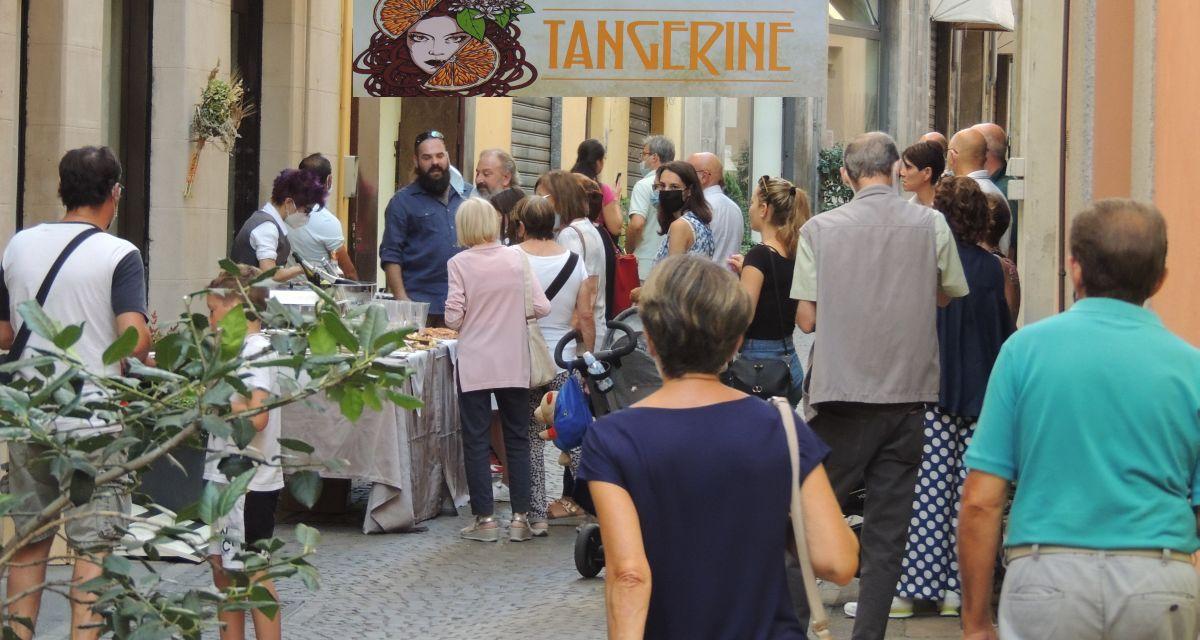 A Tortona ha aperto Tangerine, negozio unico in fatto di prodotti. Le foto dell'inaugurazione
