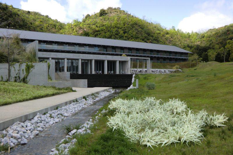benesse-house-park-5