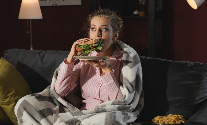 : Quali alimenti possono essere mangiati di notte
