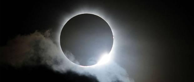 Assista o Eclipse Lunar de hoje (27/09) ao vivo!<dataavatar hidden data-avatar-url=http://1.gravatar.com/avatar/4384f4262bbe1521c2877dcf9b9b7c50?s=96&d=mm&r=g></dataavatar>
