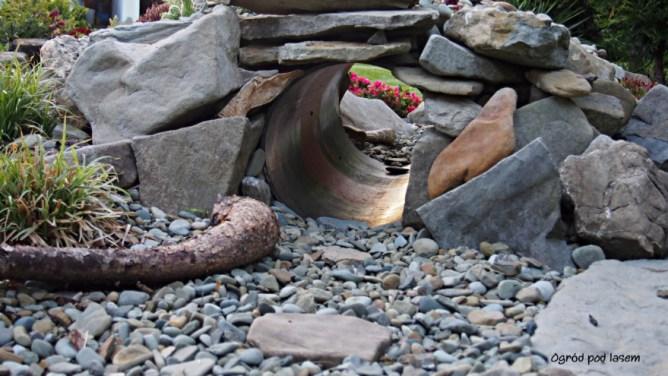 Ogrodowy tunel dla pieska