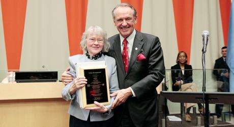 Former UN Deputy Secretary-General Jan Eliasson (right) presents the prize to Liisa Kauppinen at the 2013 award ceremony. © UN Photo