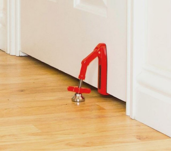 Portable Door Jammer Gives You Extra Security Wherever